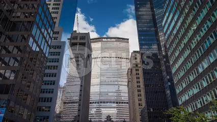 MetLife Building on Park Ave in Midtown Manhattan - 4K timelapse in New York City