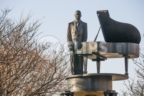 Duke Ellington statue in Harlem in winter